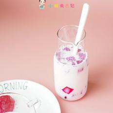 火龙果冻牛奶饮