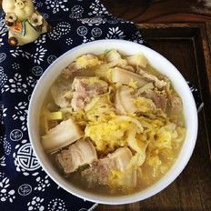 五花肉炖酸菜