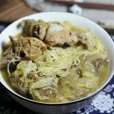大骨头炖酸菜