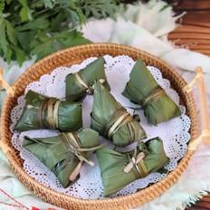 传统红枣粽和咸蛋黄肉粽