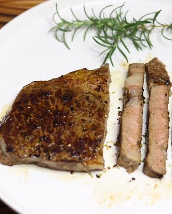 安格斯眼肉牛排的做法