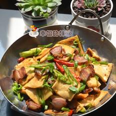肥而不腻的干锅腊五花千页豆腐