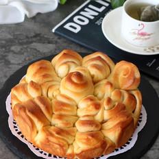 麦色金花面包