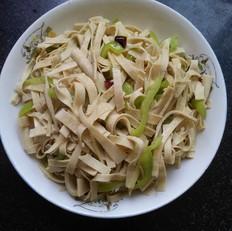 辣椒炒豆腐皮
