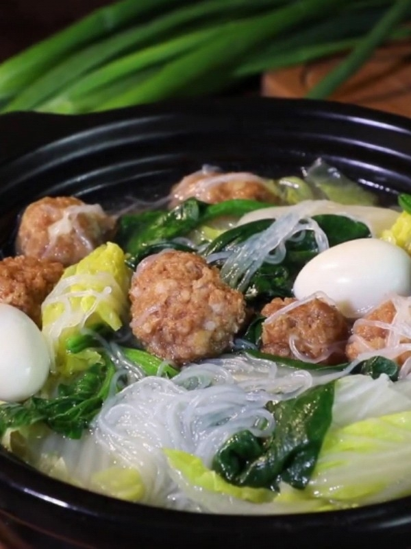 全家福砂锅丸子汤