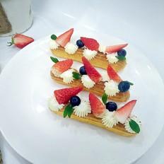草莓闪电泡芙