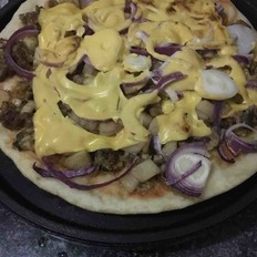 鱼肉杂蔬披萨