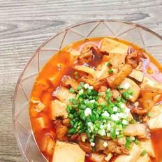 五花肉焖豆腐