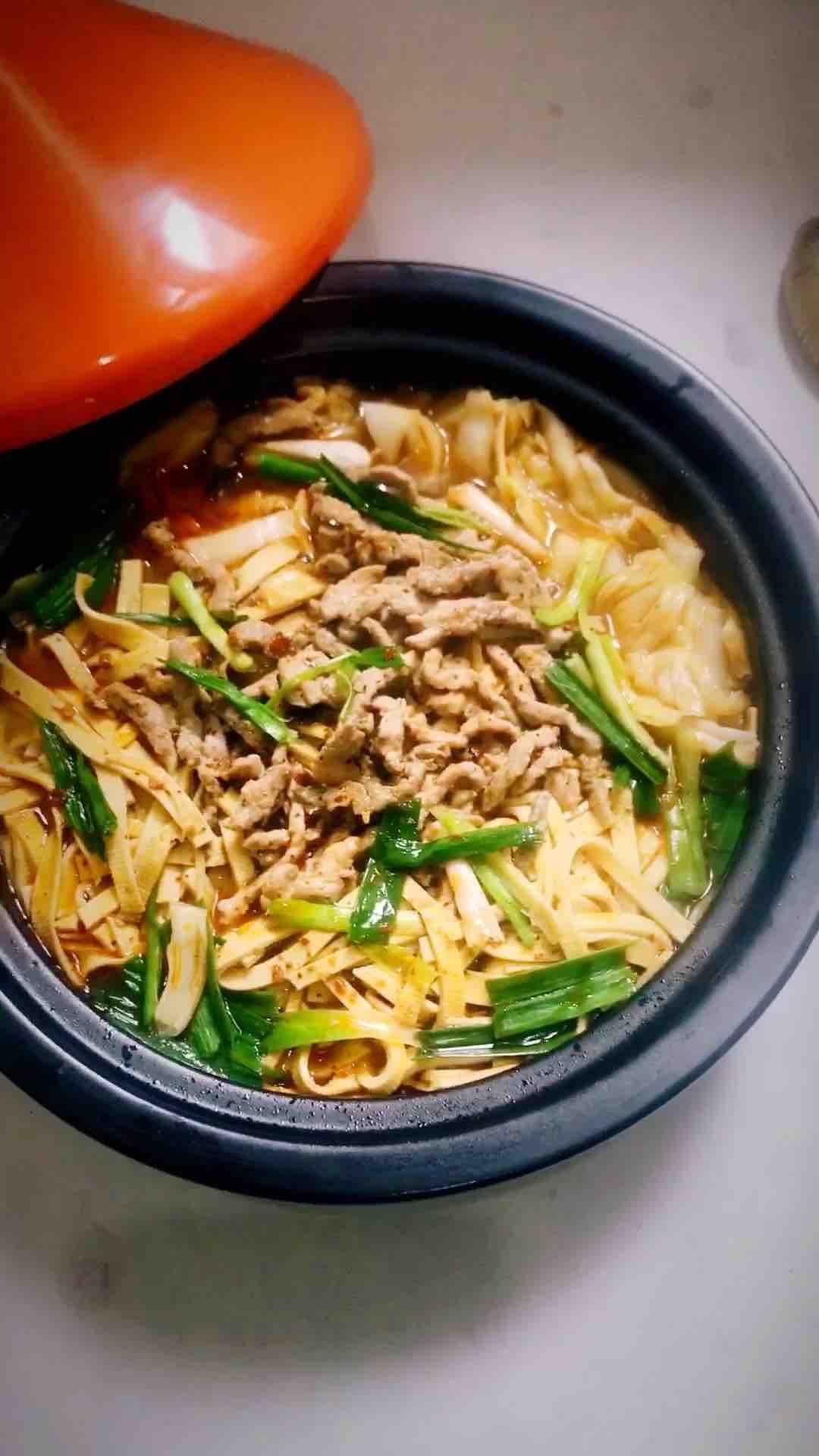 砂锅水煮肉丝