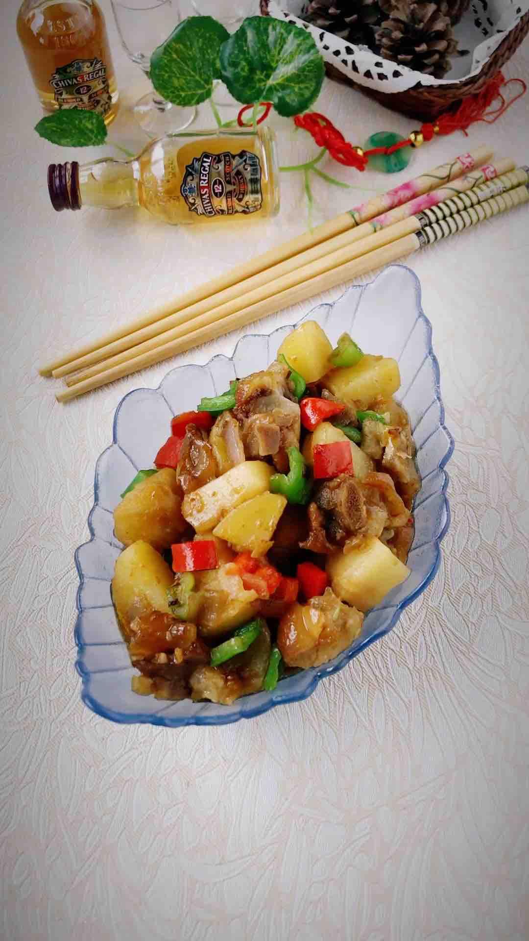 土豆焖猪手