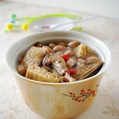 冻豆腐花生乳鸽汤