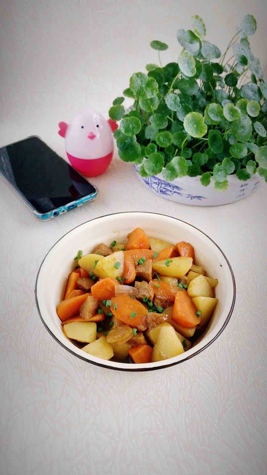 胡萝卜土豆烧肉丸的做法