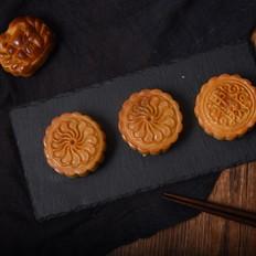 记忆中的味道,经典广式莲蓉月饼