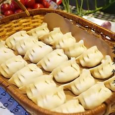 百吃不厌的荠菜饺子