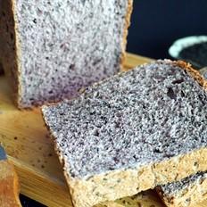 营养的黑芝麻紫米吐司