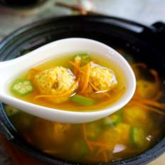 虫草花秋葵鸡肉丸汤