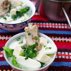 芥菜排骨年糕汤
