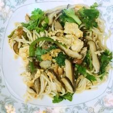 香菇肉丝炒面的做法