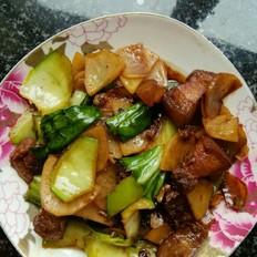 腌猪肉抄土豆片小白菜