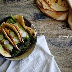 藜麦牛油果皮塔饼