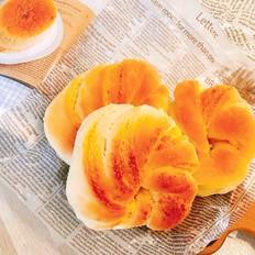 椰香四溢的软绵绵椰蓉面包