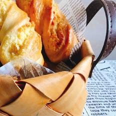 金黄诱人的椰蓉扭扭条面包的做法