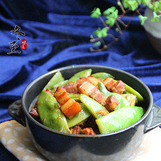 红烧肉炖油豆角