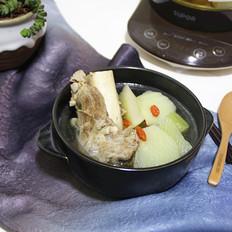 青萝卜骨头汤