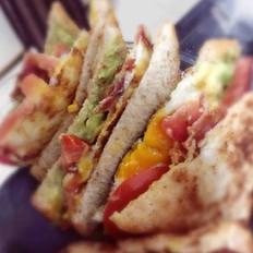 牛油果培根三明治