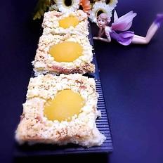 黄桃香酥面包