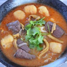 健康美味的鸭血粉丝汤