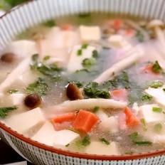 双菇火腿豆腐汤