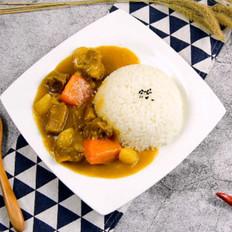咖喱牛腩拌饭