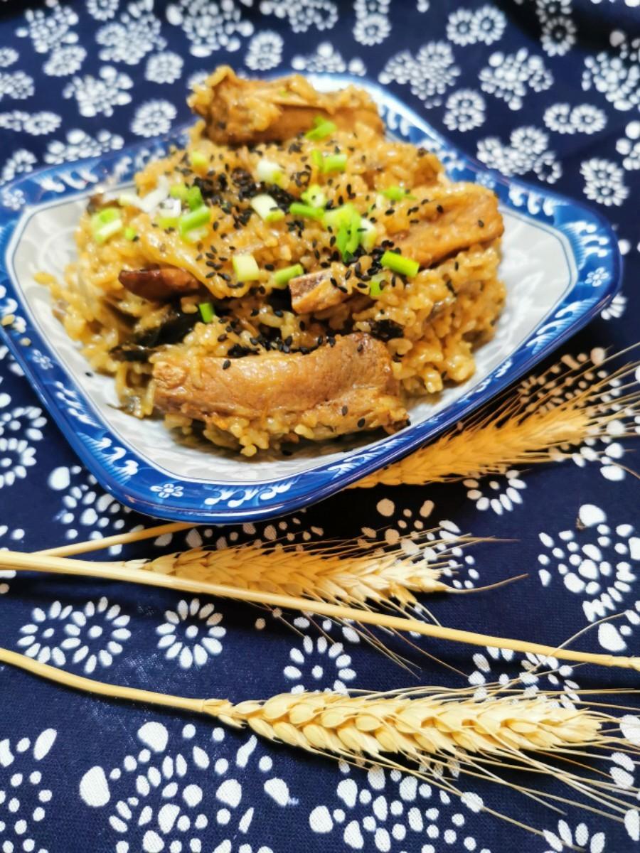 梅干菜排骨芋头饭