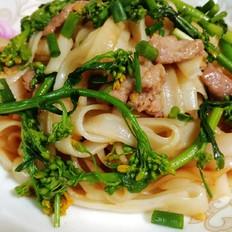 肉菜炒河粉