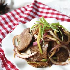 洋葱拌牛肉