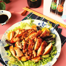 烤鸡腿肉蔬果沙拉
