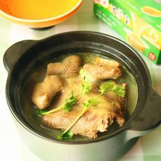 清炖鸽子汤