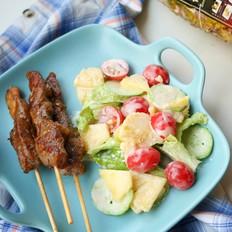 羊肉串菠萝沙拉