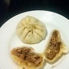 猪肉酸菜包子、蒸饺