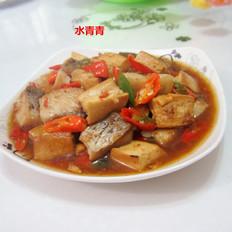 豆腐丁煮鱼