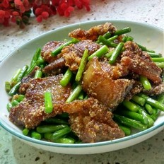 蒜苔米粉肉