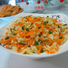 红萝卜丝炒剩饭