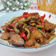 酸豆角炒卤肉