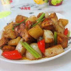 豆腐煮白萝卜丁
