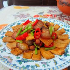 豆腐片炒腊肉