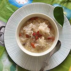 银耳枸杞小米粥