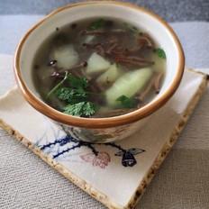 丝瓜黄金菇汤