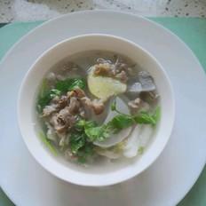 白萝卜羊肉片汤