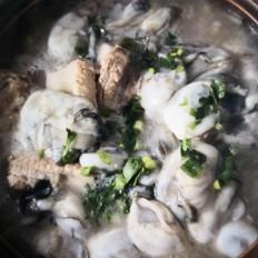蛎蝗排骨酸菜汤